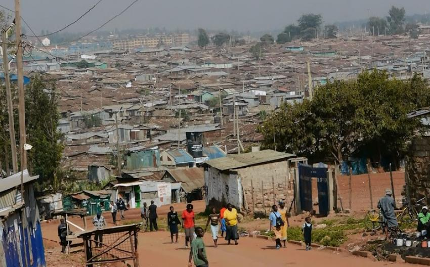 Nairobi: Kibera, biggest Slum in Africa.